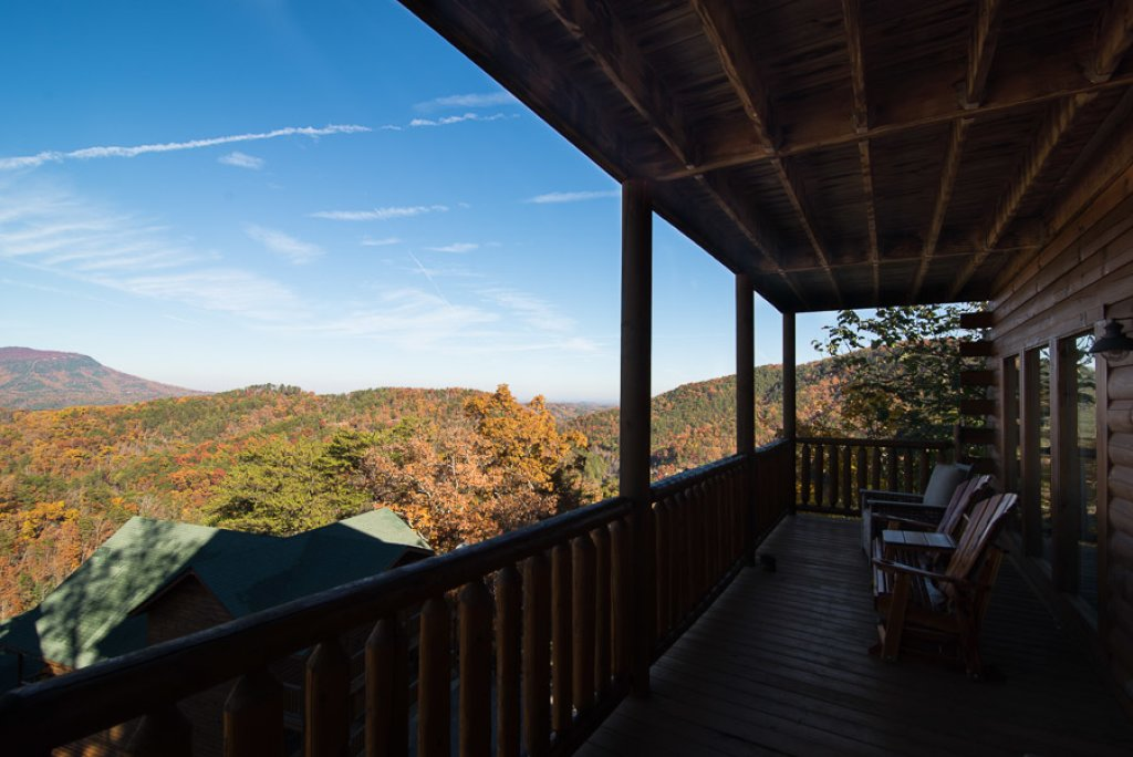 Photo of a Pigeon Forge Cabin named Theatre In The Mountains - This is the thirty-fifth photo in the set.
