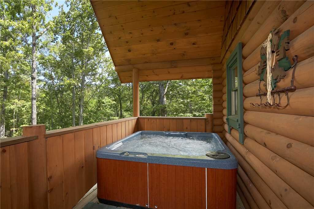 Photo of a Pigeon Forge Cabin named Merry Weather - This is the ninth photo in the set.