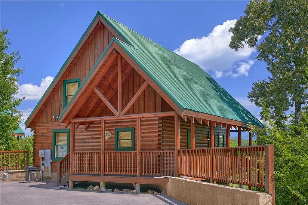 Photo of a Pigeon Forge Cabin named Vista Point - This is the first photo in the set.