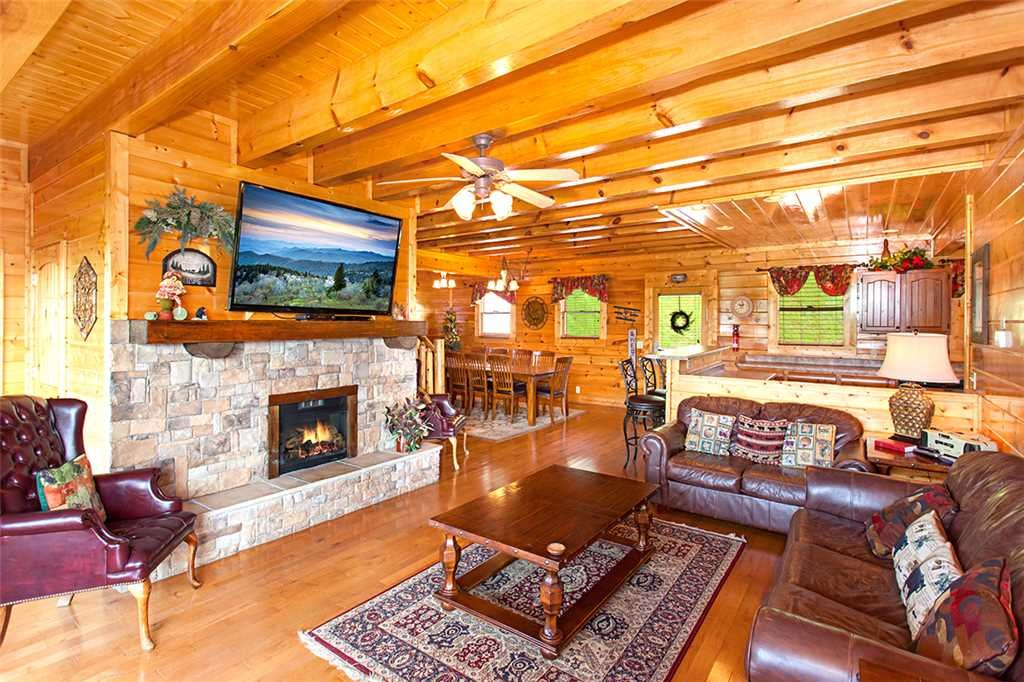 Photo of a Pigeon Forge Cabin named Majestic Sunrise - This is the third photo in the set.