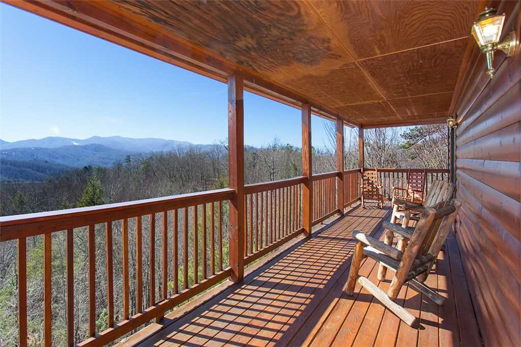 Photo of a Gatlinburg Cabin named Mountain Symphony - This is the first photo in the set.