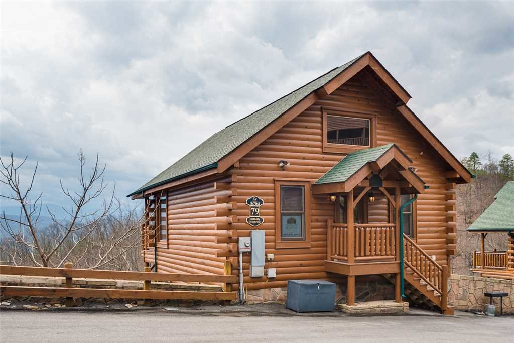 Photo of a Pigeon Forge Cabin named Hillbilly Highrise - This is the eighteenth photo in the set.