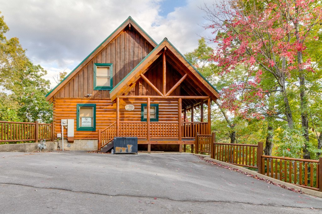 Photo of a Pigeon Forge Cabin named Treehouse - This is the thirty-second photo in the set.