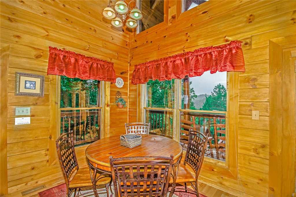 Photo of a Pigeon Forge Cabin named Heaven's Scent - This is the fourth photo in the set.