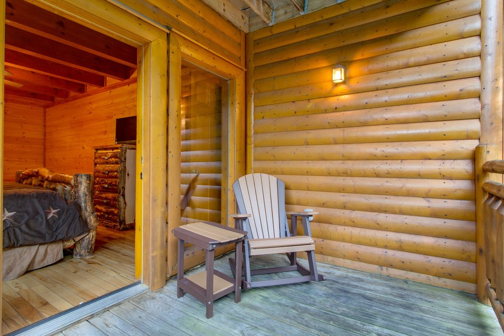 Photo of a Pigeon Forge Cabin named Rustic Cinema Lodge - This is the thirty-second photo in the set.