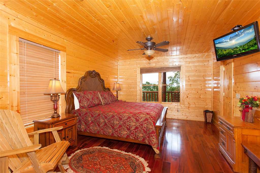 Photo of a Pigeon Forge Cabin named Majestic Sunrise - This is the twenty-fourth photo in the set.