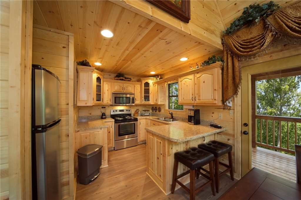 Photo of a Pigeon Forge Cabin named Mountain Retreat - This is the fifth photo in the set.