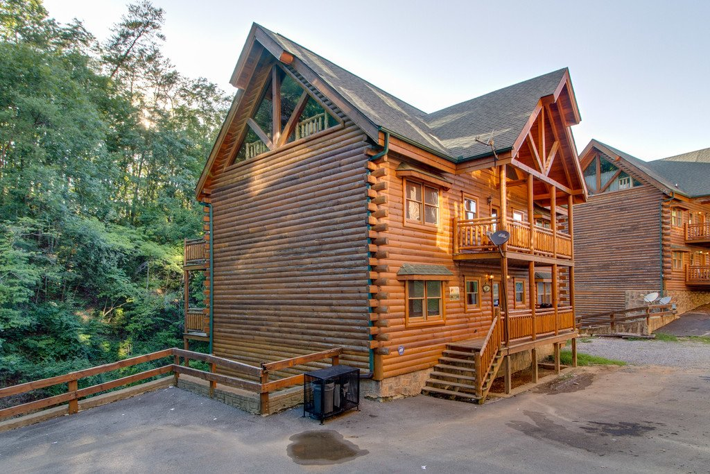 Photo of a Pigeon Forge Cabin named Rustic Cinema Lodge - This is the fifty-fifth photo in the set.