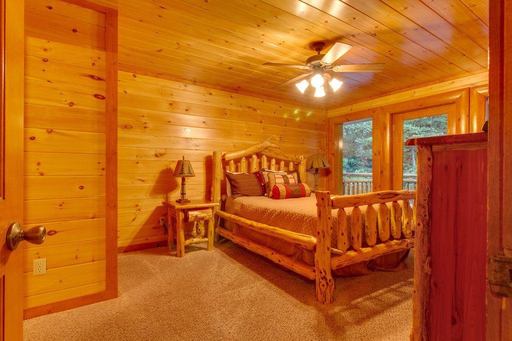 Photo of a Pigeon Forge Cabin named Rustic Cinema Lodge - This is the forty-fifth photo in the set.