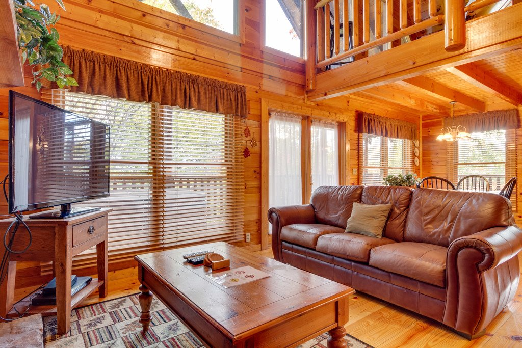 Photo of a Pigeon Forge Cabin named Treehouse - This is the fourth photo in the set.