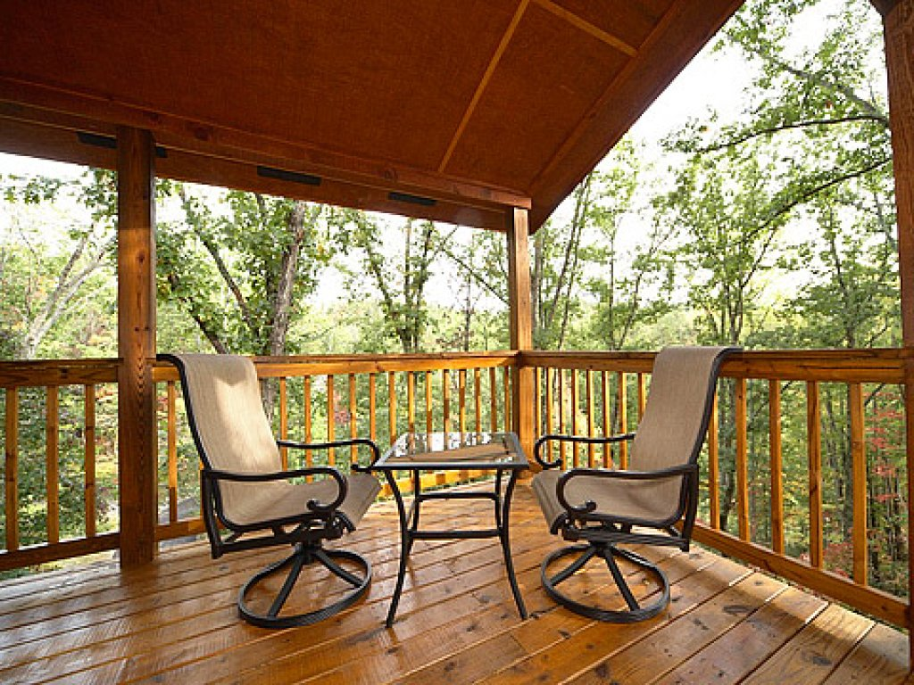 Photo of a Pigeon Forge Cabin named Mountain Retreat - This is the eighteenth photo in the set.