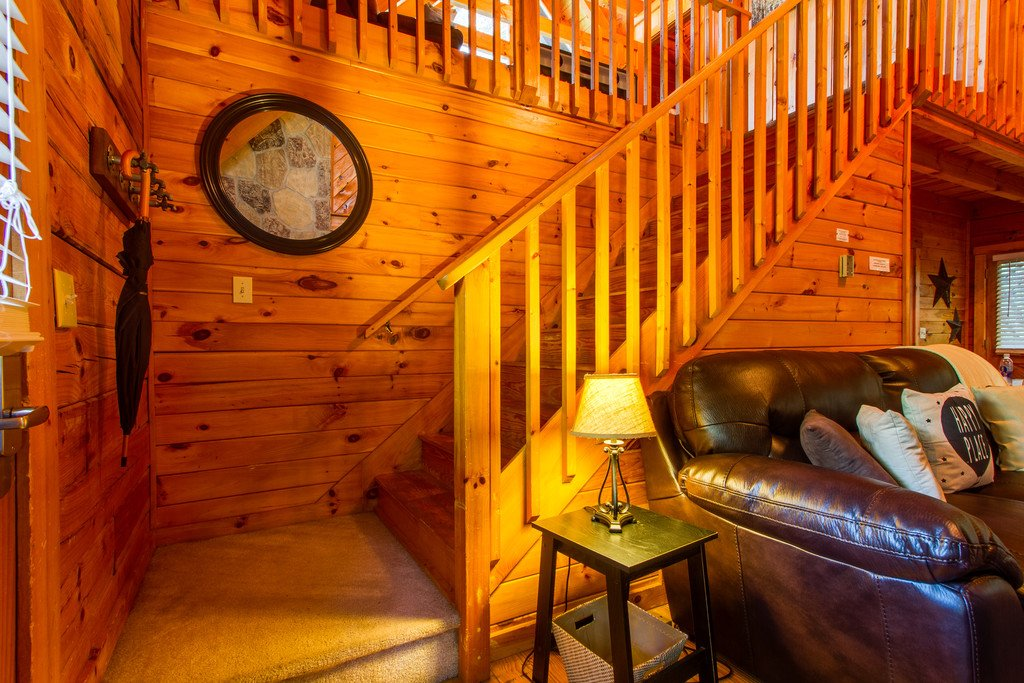 Photo of a Gatlinburg Cabin named Old Glory - This is the fourth photo in the set.