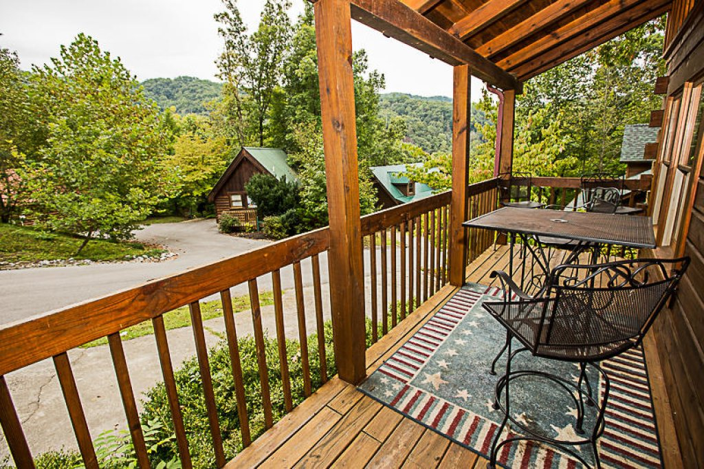 Photo of a Gatlinburg Cabin named Old Glory - This is the twelfth photo in the set.