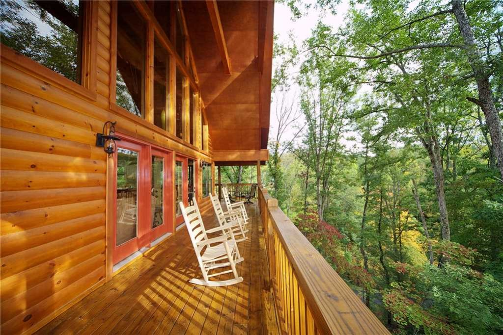 Photo of a Pigeon Forge Cabin named Mountain Retreat - This is the seventeenth photo in the set.