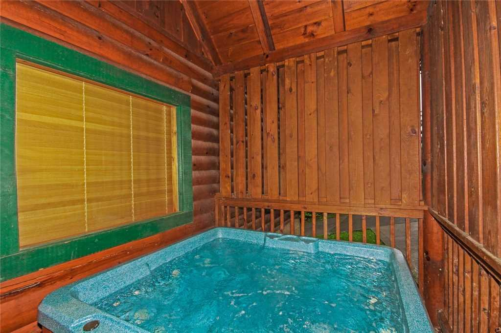 Photo of a Pigeon Forge Cabin named Heaven's Scent - This is the tenth photo in the set.
