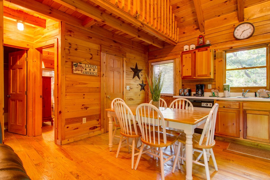 Photo of a Gatlinburg Cabin named Old Glory - This is the sixth photo in the set.