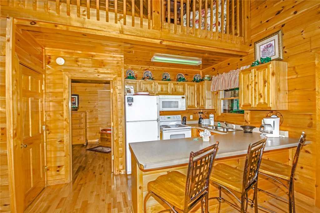 Photo of a Pigeon Forge Cabin named Heaven's Scent - This is the fifth photo in the set.