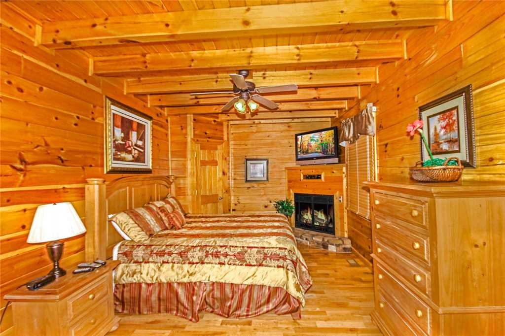 Photo of a Pigeon Forge Cabin named Heaven's Scent - This is the sixth photo in the set.