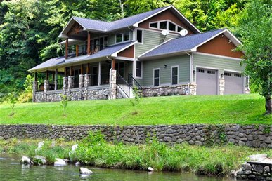 River Memories, 3 Bedrooms, On The Water, Hot Tub, Pool Table, Sleeps 8