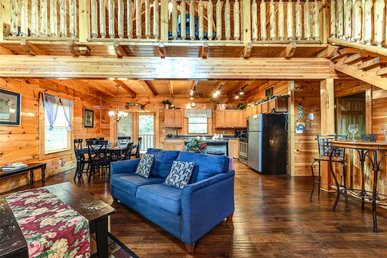 Moonlight Theater Lodge, 3 Bedrooms, Resort Pool, Hot Tub, Wifi, Sleeps 14
