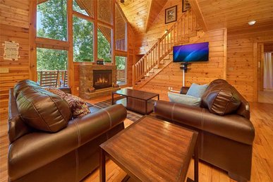 Smoky Mountain Hideaway, 7 Bedrooms, Pool Access, Hot Tub, Sleeps 20
