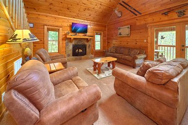 A Honey Cove, 3 Bedrooms, Sauna, Pool Table, Hot Tub, Lake Access, Sleeps 9
