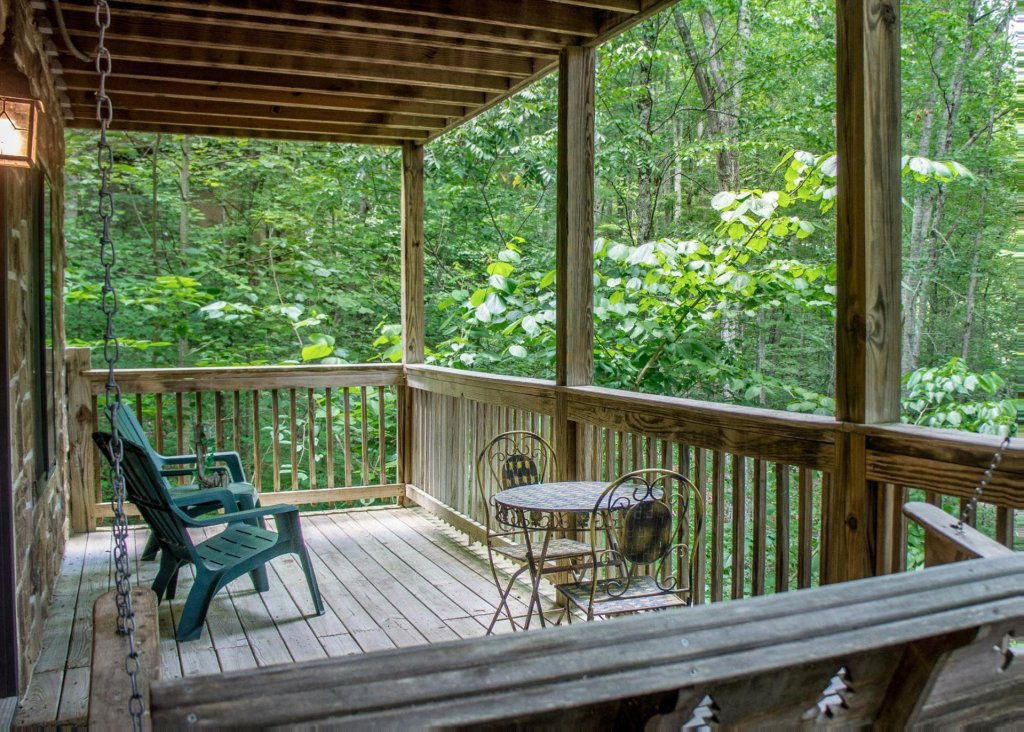 Photo of a Sevierville Cabin named Suite Temptations - This is the first photo in the set.