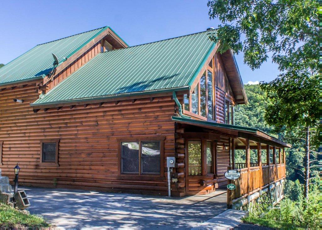 Photo of a Pigeon Forge Cabin named Lost Texan #50 - This is the second photo in the set.