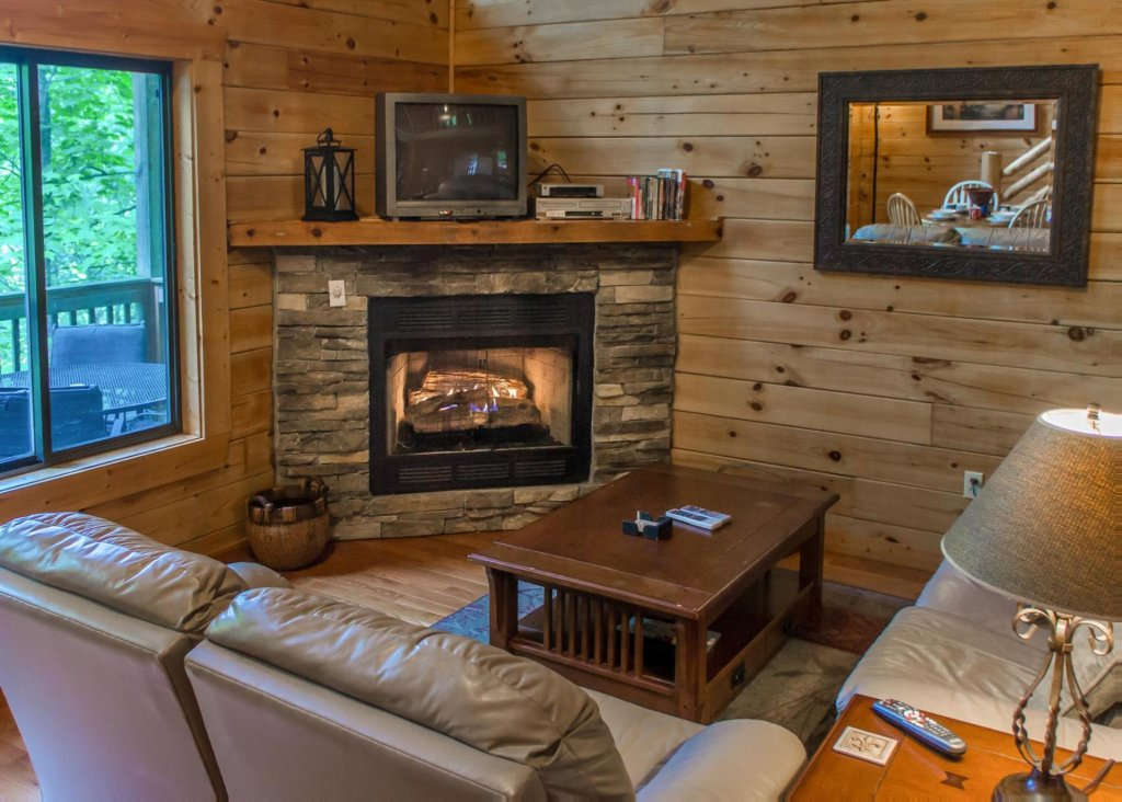 Photo of a Sevierville Cabin named Suite Temptations - This is the fourth photo in the set.