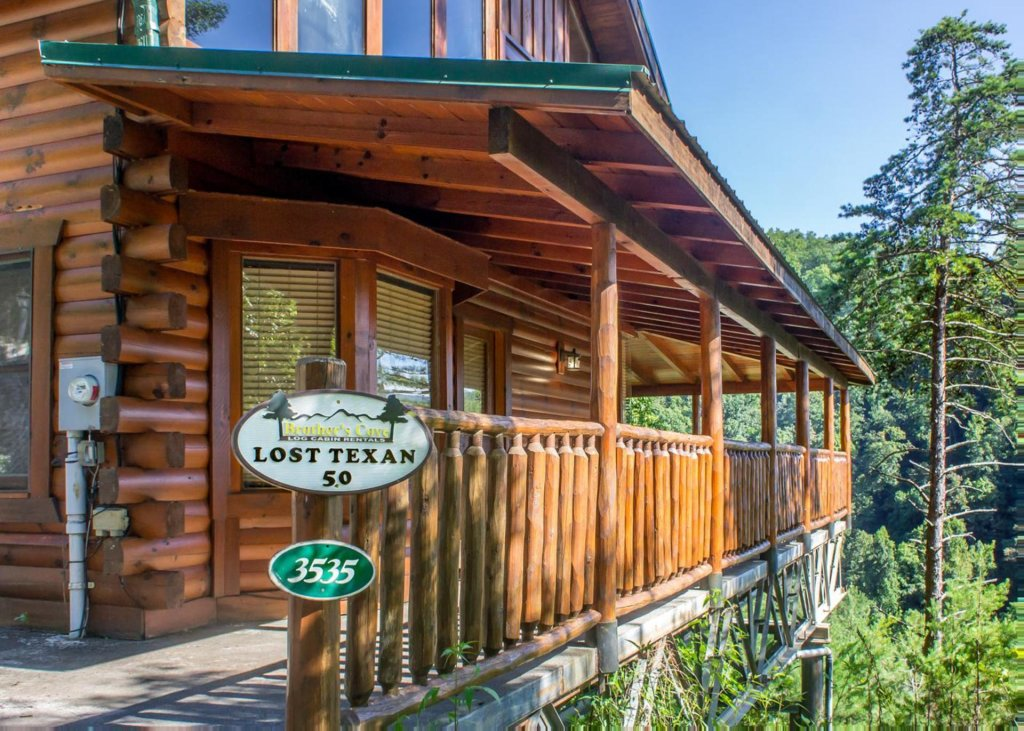 Photo of a Pigeon Forge Cabin named Lost Texan #50 - This is the third photo in the set.