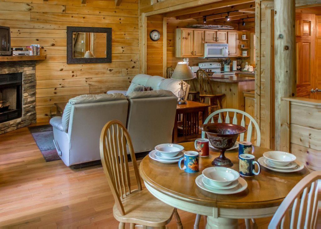 Photo of a Sevierville Cabin named Suite Temptations - This is the seventh photo in the set.