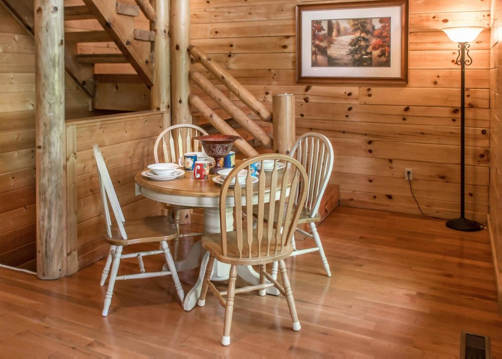 Photo of a Sevierville Cabin named Suite Temptations - This is the eighth photo in the set.
