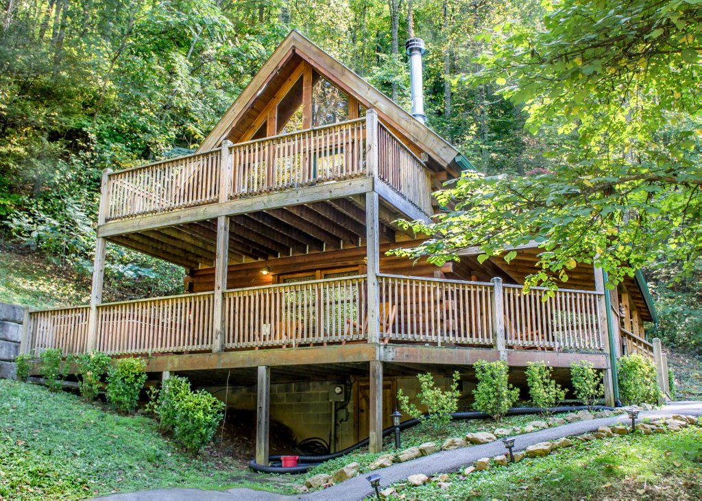 Photo of a Pigeon Forge Cabin named Mountain Dreams #24 - This is the first photo in the set.