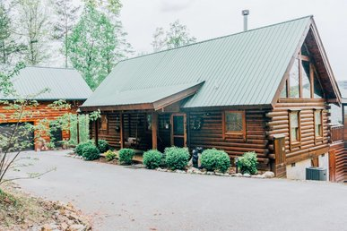 Delightful Pet Friendly log cabin with 'Heaven's View'