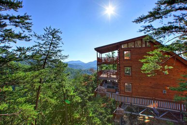 Private 3 story cabin with wrap around deck perfect for mountain getaway