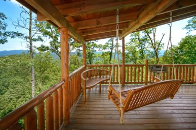 Magnificent Mountain Top Log Cabin for the Outdoor & Nature Lover with Views