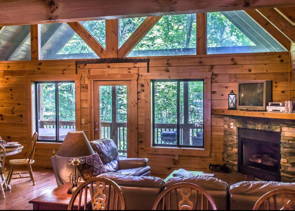 Photo of a Sevierville Cabin named Suite Temptations - This is the third photo in the set.