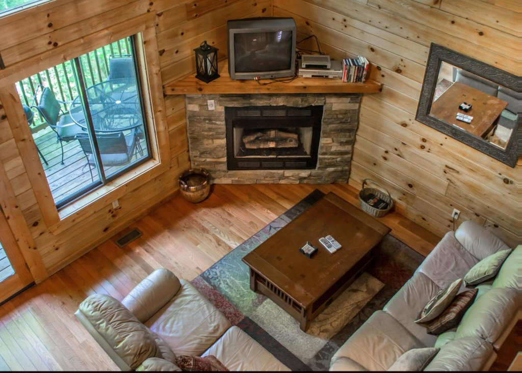 Photo of a Sevierville Cabin named Suite Temptations - This is the fifth photo in the set.