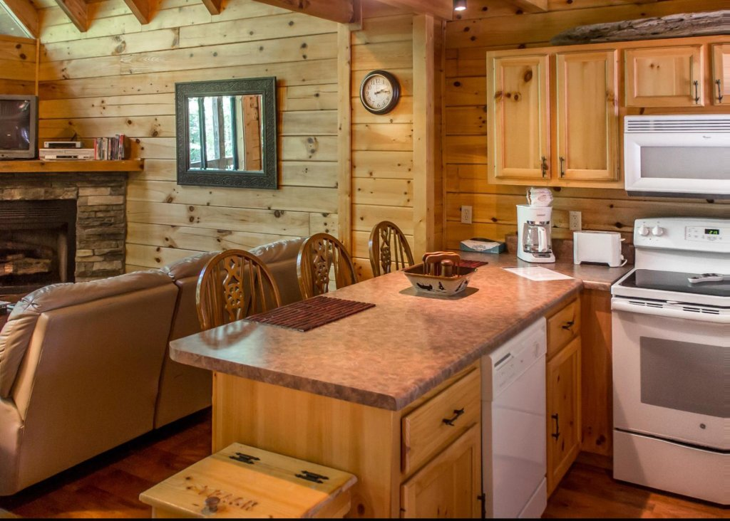 Photo of a Sevierville Cabin named Suite Temptations - This is the tenth photo in the set.