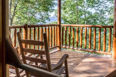 Spacious cabin perfect for relaxing family trip to the Smokies