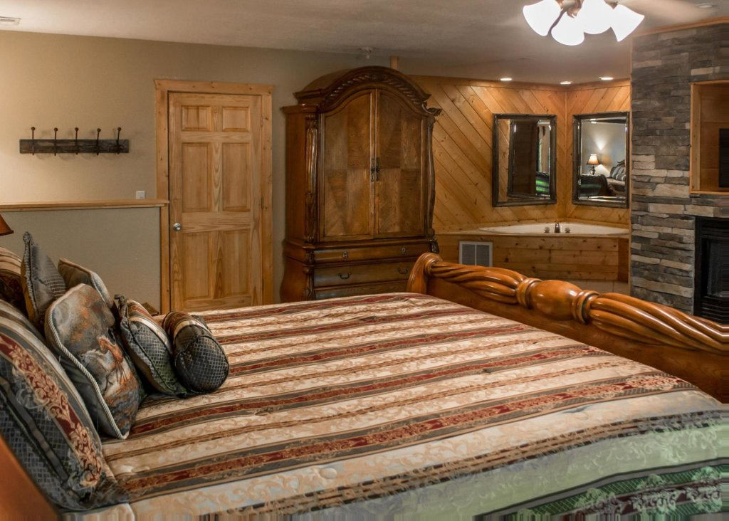 Photo of a Sevierville Cabin named Suite Temptations - This is the fifteenth photo in the set.