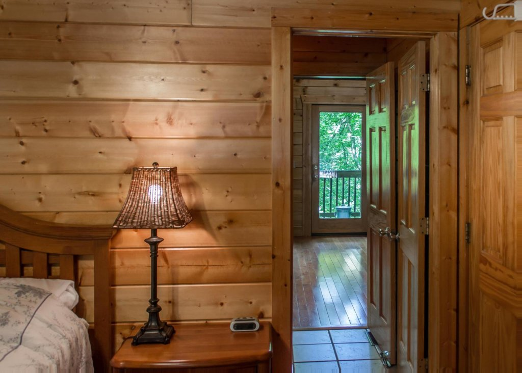 Photo of a Sevierville Cabin named Suite Temptations - This is the twelfth photo in the set.