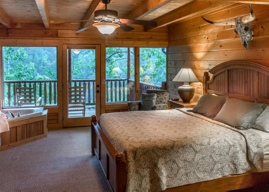 Photo of a Pigeon Forge Cabin named Lost Texan #50 - This is the fifteenth photo in the set.