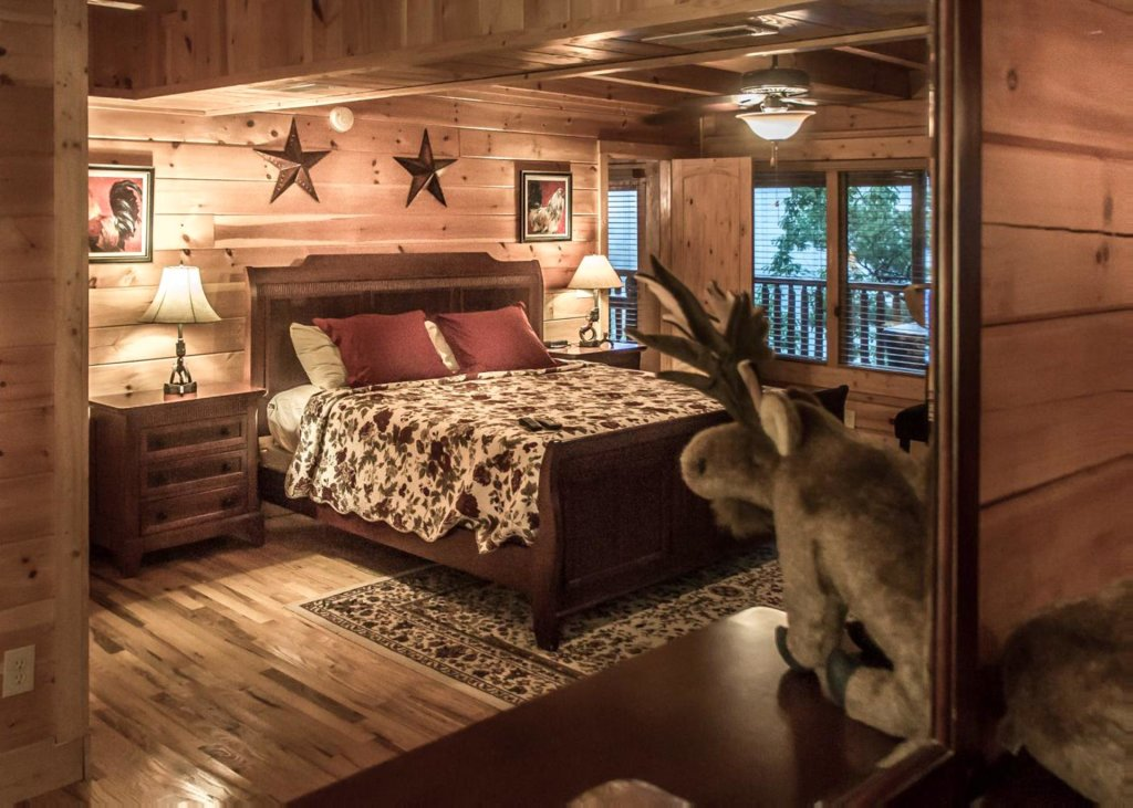 Photo of a Pigeon Forge Cabin named Lost Texan #50 - This is the twentieth photo in the set.