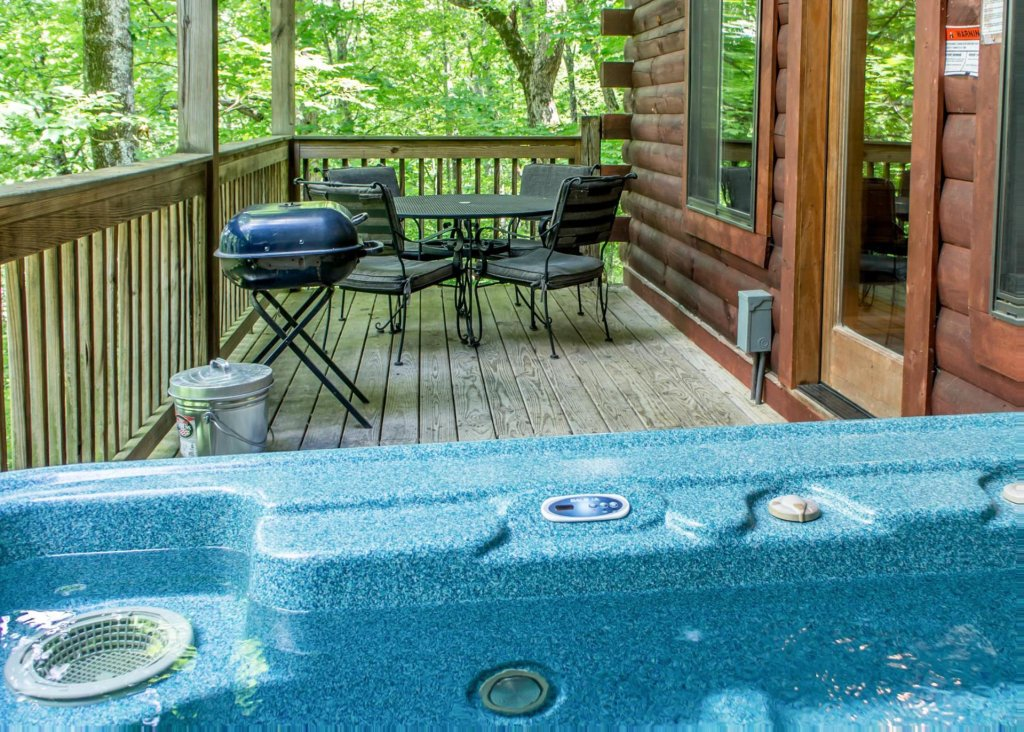 Photo of a Sevierville Cabin named Suite Temptations - This is the twenty-second photo in the set.