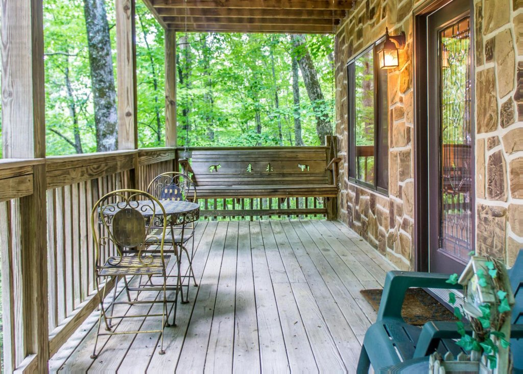 Photo of a Sevierville Cabin named Suite Temptations - This is the twenty-first photo in the set.