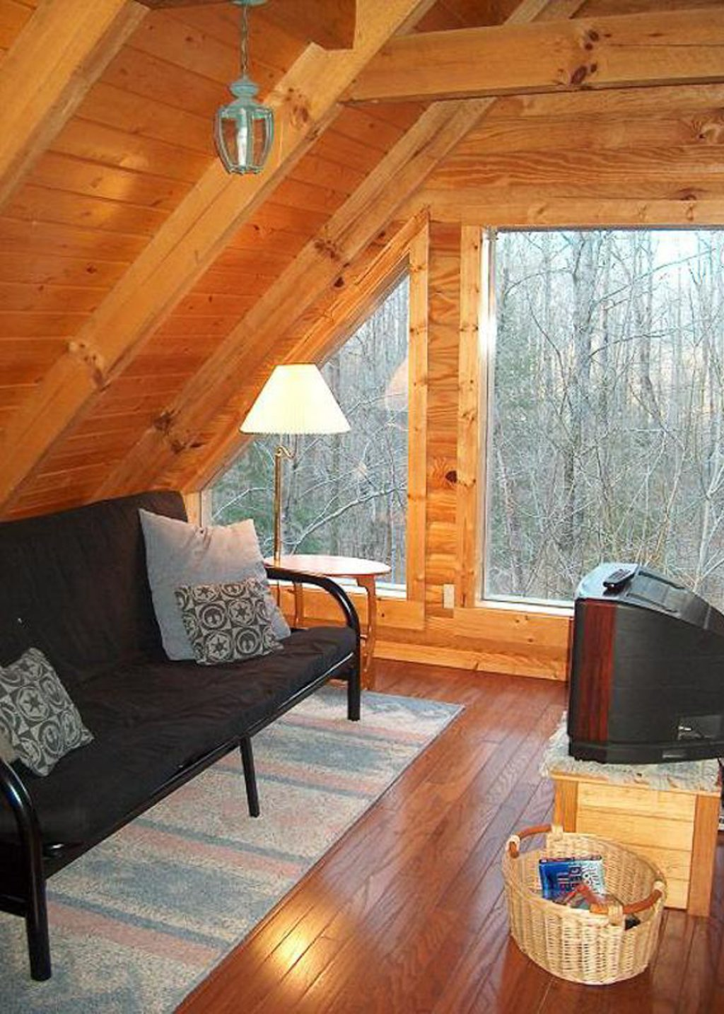 Photo of a Pigeon Forge Chalet named Hummingbird Cove - This is the seventh photo in the set.