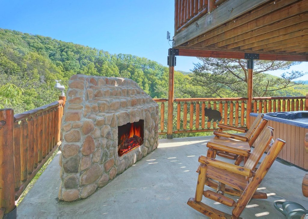Photo of a Pigeon Forge Cabin named Tranquility #53 - This is the twenty-first photo in the set.
