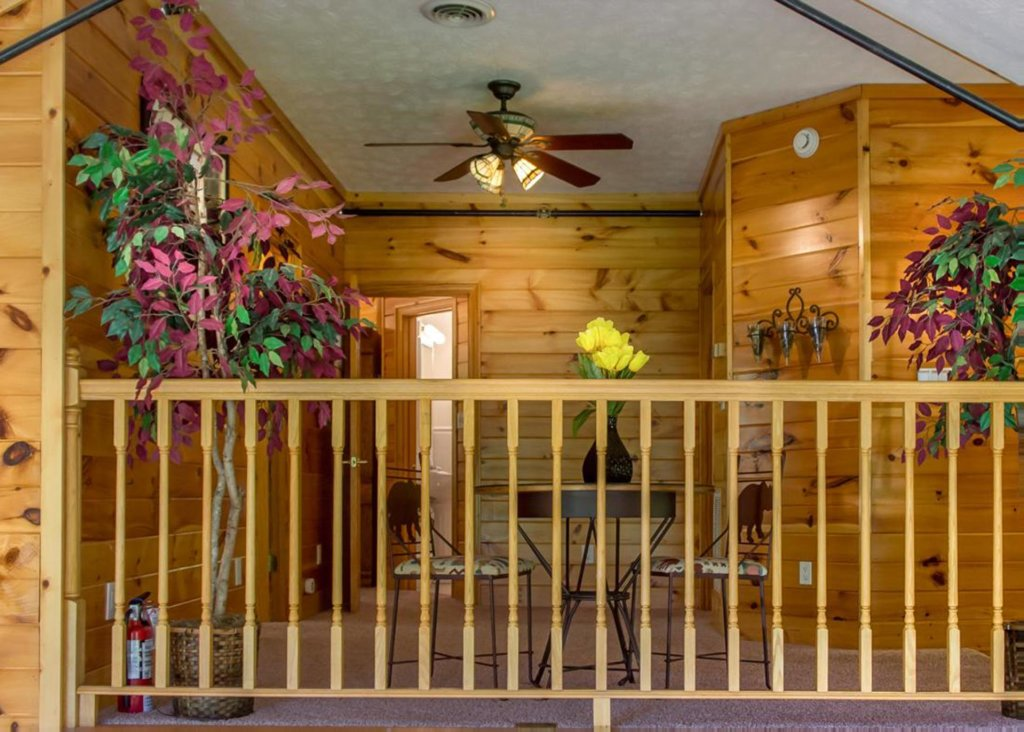 Photo of a Gatlinburg Chalet named King Of The Mountain - This is the eighth photo in the set.