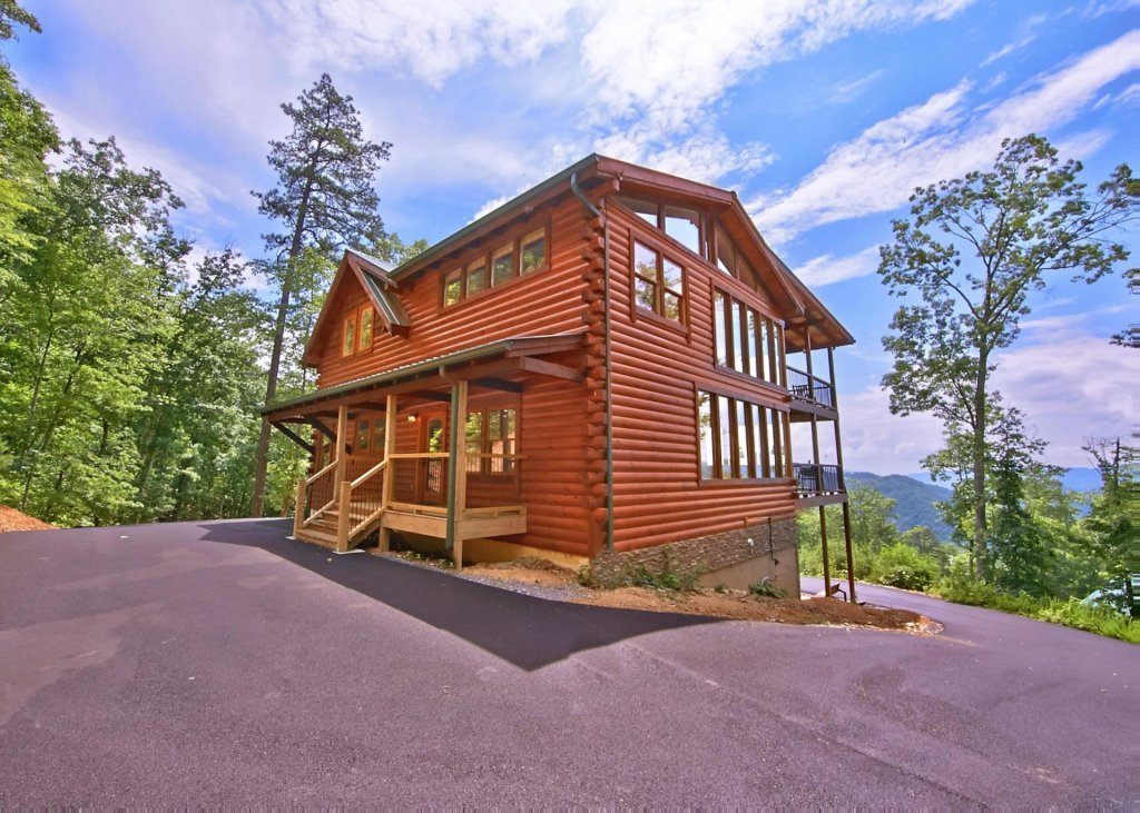 Photo of a Pigeon Forge Cabin named Summit Oasis #76 - This is the second photo in the set.